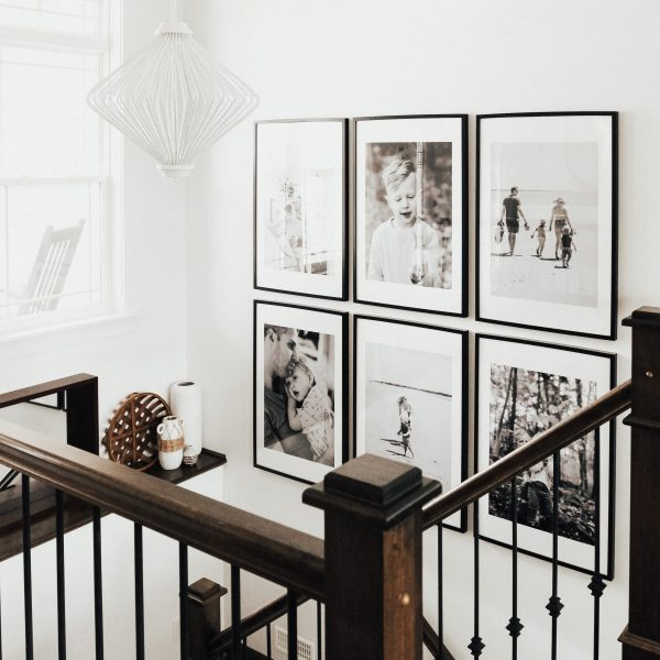 Creating a Gallery Wall of Family Photos